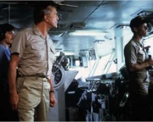 """Estacine exibe """"Nunca te vi sempre te amei"""" e """"Nimitz: de volta para o inferno"""""""