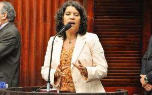 deputada estadual Estela Bezerra