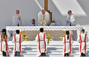Papa Francisco celebra a missa