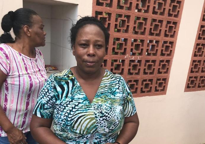 Merendeira diz que ajudou a esconder 50 alunos