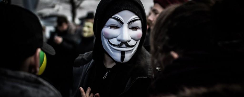 Anonymous derruba site da embaixada