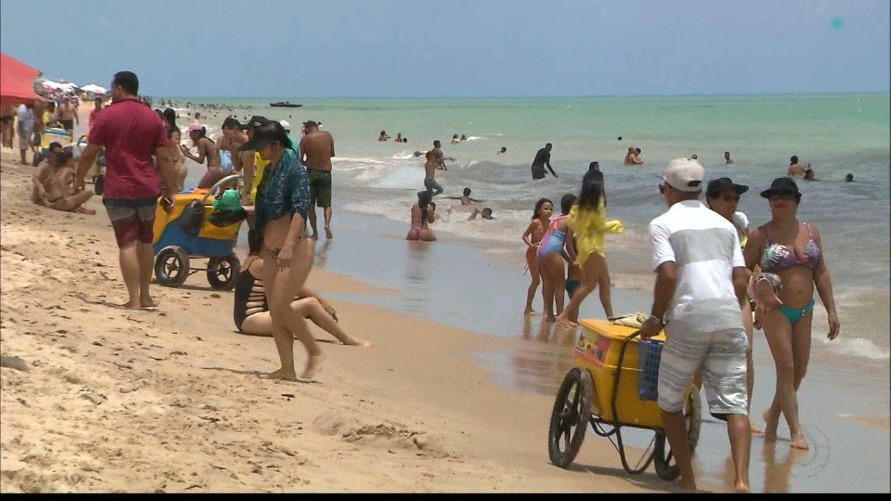 Photo of Banhistas podem aproveitar 35 praias do litoral paraibano no feriadão de Páscoa