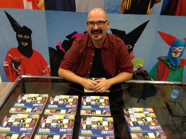 Photo of Jarbas Mariz é convidado do lançamento do livro 'Lindo Sonho Delirante', de Bento Araujo