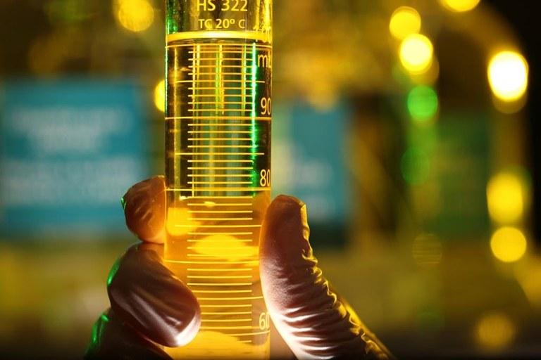 Photo of Pesquisador cria reator químico que otimiza produção de etanol e açúcar