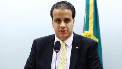 Photo of Deputado neoliberal do Partido Novo quer acabar 13º salário