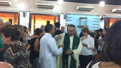 Photo of Padre faz sermão em missa aclamando o Coronel torturador Brilhante Ustra