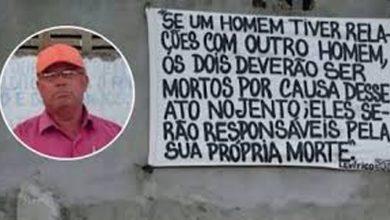 Photo of Pastor colocou placa indicando a morte de gays na porta de igreja na Bahia