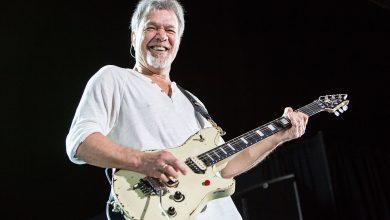 Photo of Eddie Van Halen morre aos 65 anos
