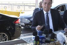 Photo of Bolsonaro diz a apoiador com cabelo black power: 'Estou vendo uma barata'