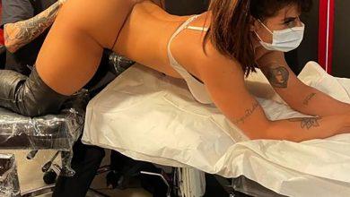 Photo of Ex-Miss Bumbum faz tatuagem anal em homenagem a Messi