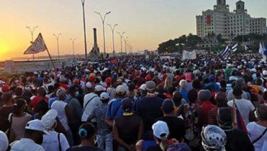 Photo of Cubanos ocupam as ruas em defesa da Revolução e contra o bloqueio