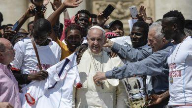 Photo of Papa Francisco abre a maior consulta democrática da história da Igreja